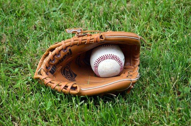baseball-1425124_640.jpg