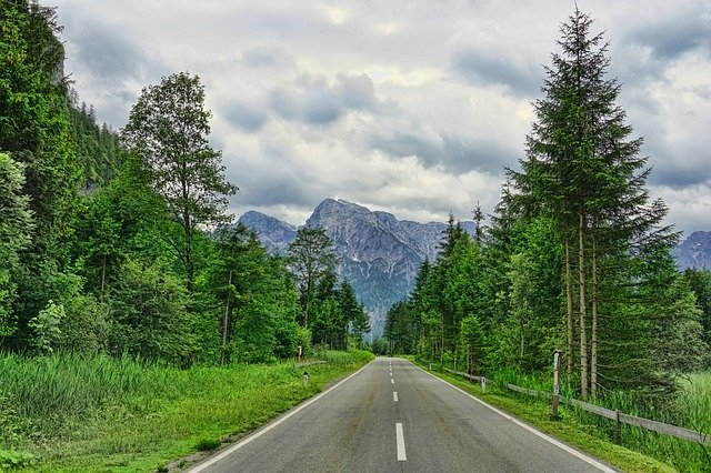 road-3496148_640.jpg