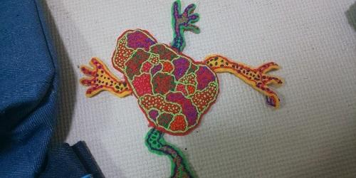 カエル刺繍