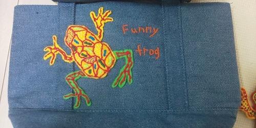 黄色カエル刺繍
