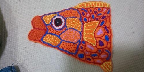 ぶつぶつ魚刺繍