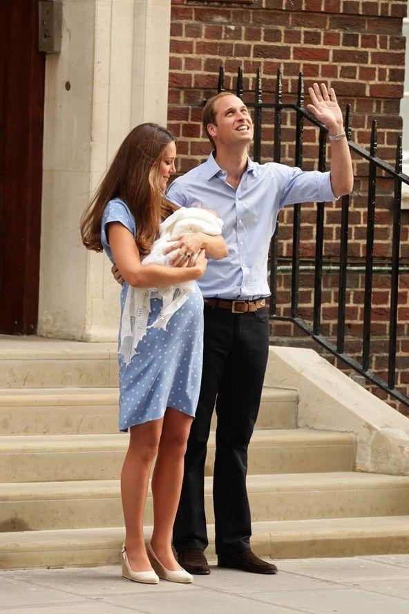 『ロイヤルベイビーのお召し物 -Royal Baby's 1st Outfit-』