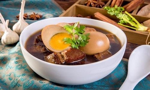 Khai Pha Loh in bowl