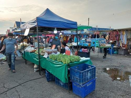 At market (2)