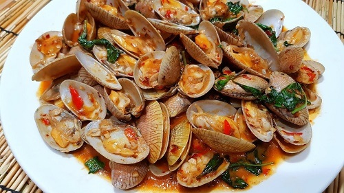 Stir Fried Clams with Roasted Chili Paste (from internet)