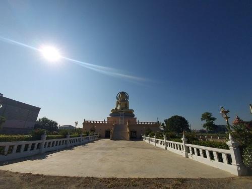 2 Rom Pho Mano Dham temple (2)