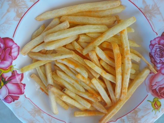 French Fries in Air Fryer pot (1)