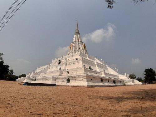 Phu Khao Thong temple (4)