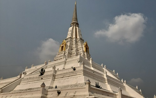 Phu Khao Thong temple (1)
