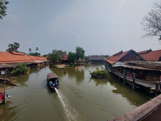 Ayothaya floating market (15)
