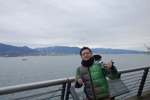 曇天で、冬ですからまあまあ寒いです。