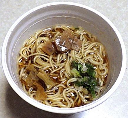 2/8発売 麺屋さくら井監修 地鶏醤油味らぁ麺(できあがり)