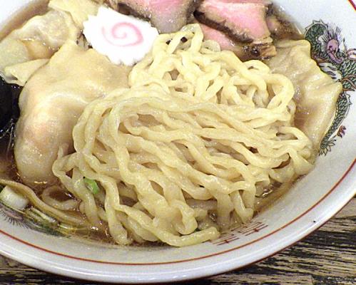 綿麺 わんたん麺 大盛(麺のアップ)