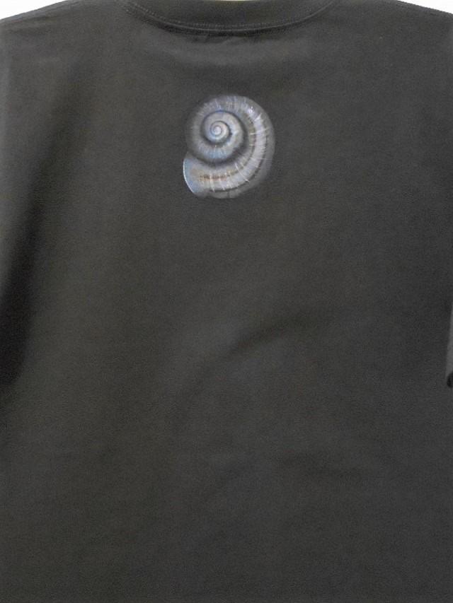 手描きTシャツ カタツムリ