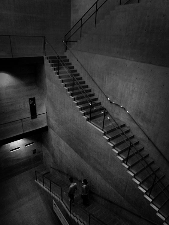 190501,兵庫県立美術館階段