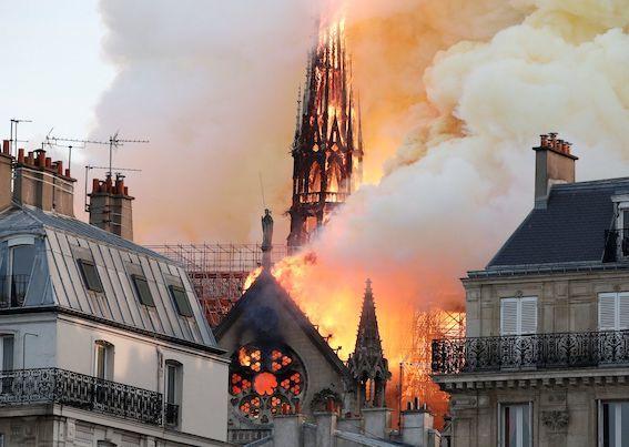 ノートルダム大聖堂火災