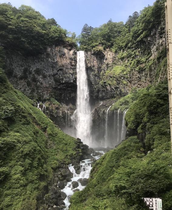 華厳の滝01