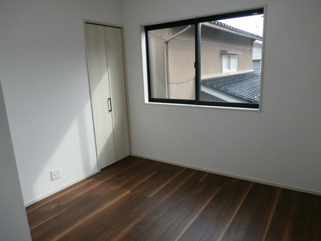 城南新築2階洋室①