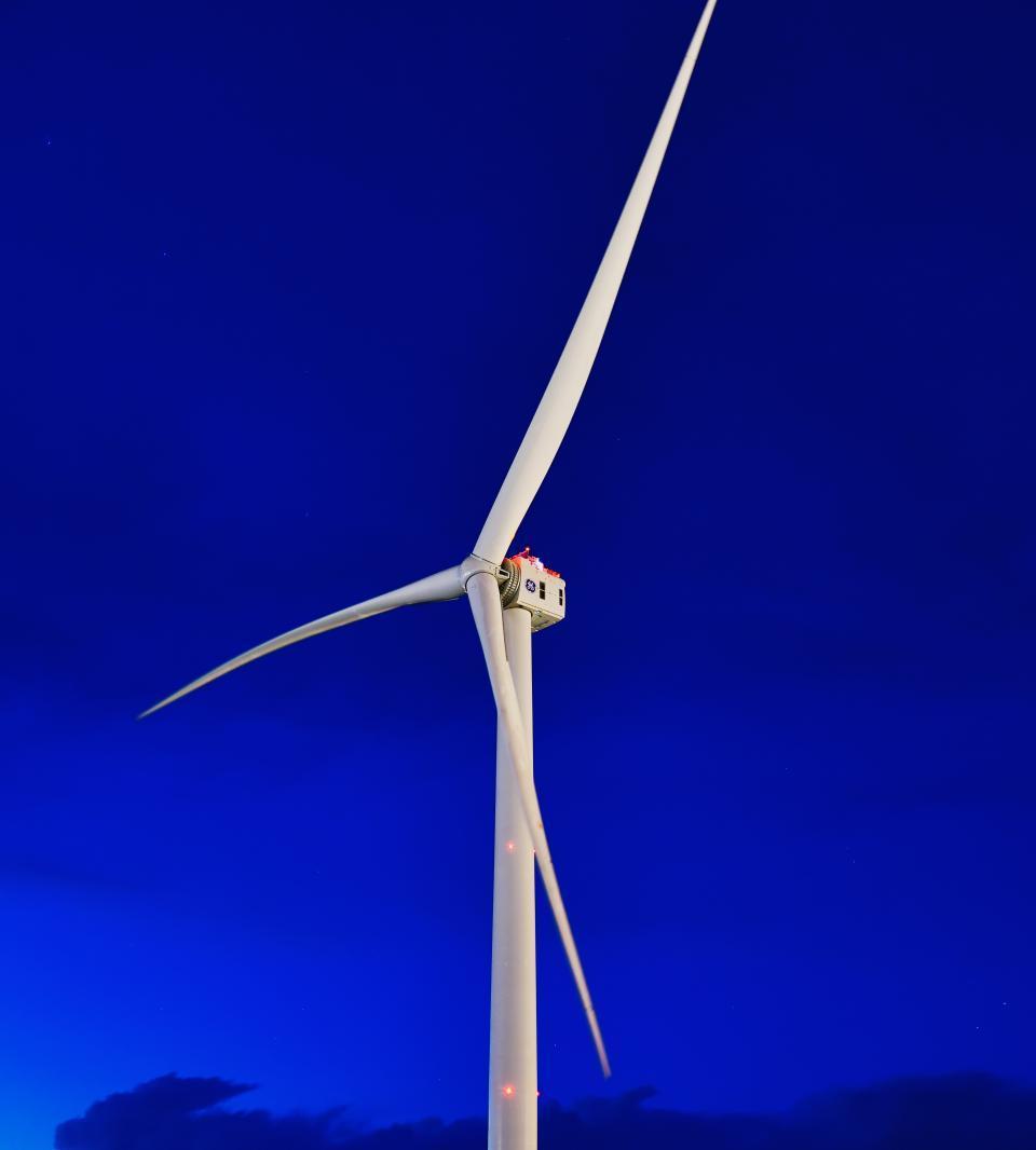 洋上風車設置船不足-03