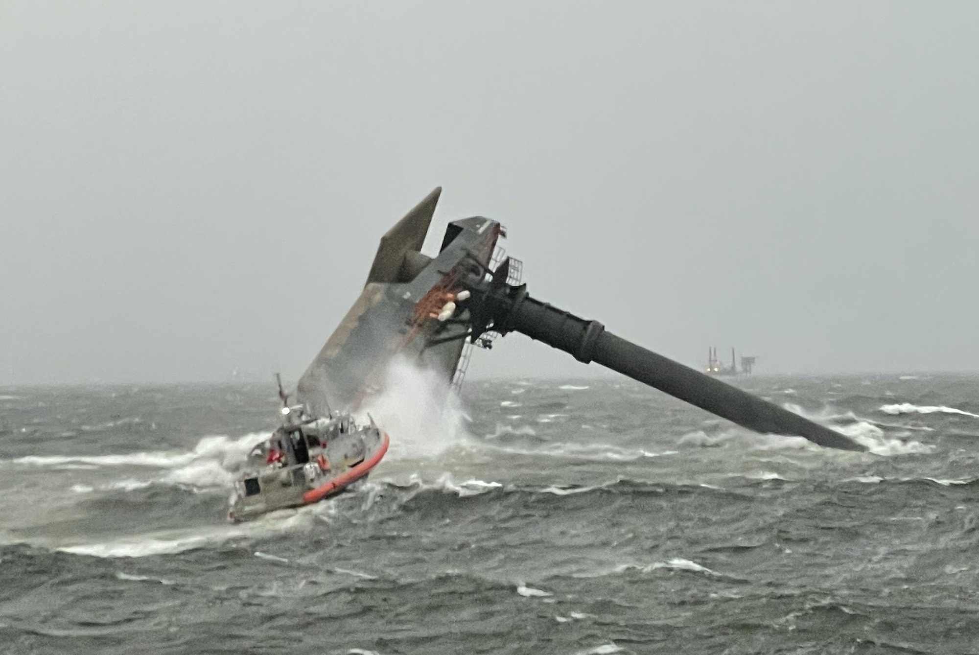 SEP起重機船転覆-00
