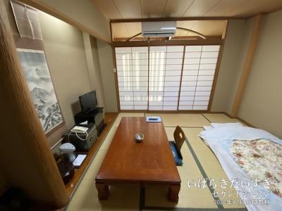 滝美館 和室 / 内装がきれいにリニューアルされている