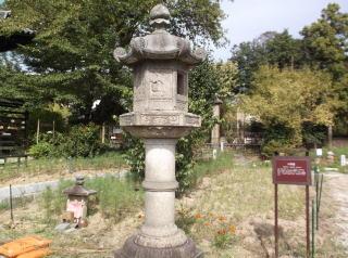 般若寺石燈籠