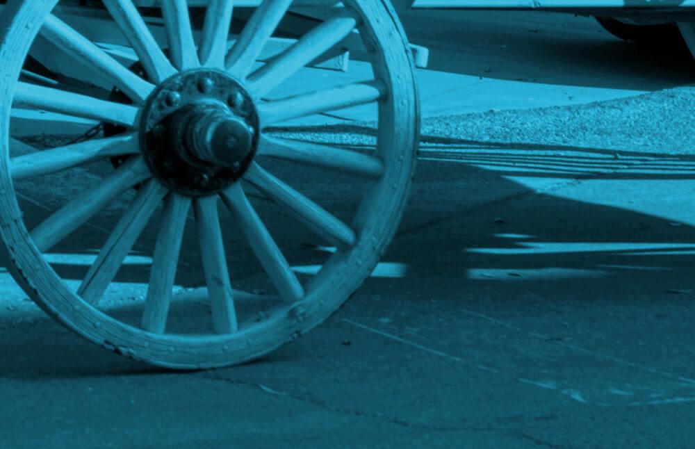 大逆転裁判1&2 メインビジュアル考察 青緑 無印が懐かしい Photo by Jim Strasma on Unsplash
