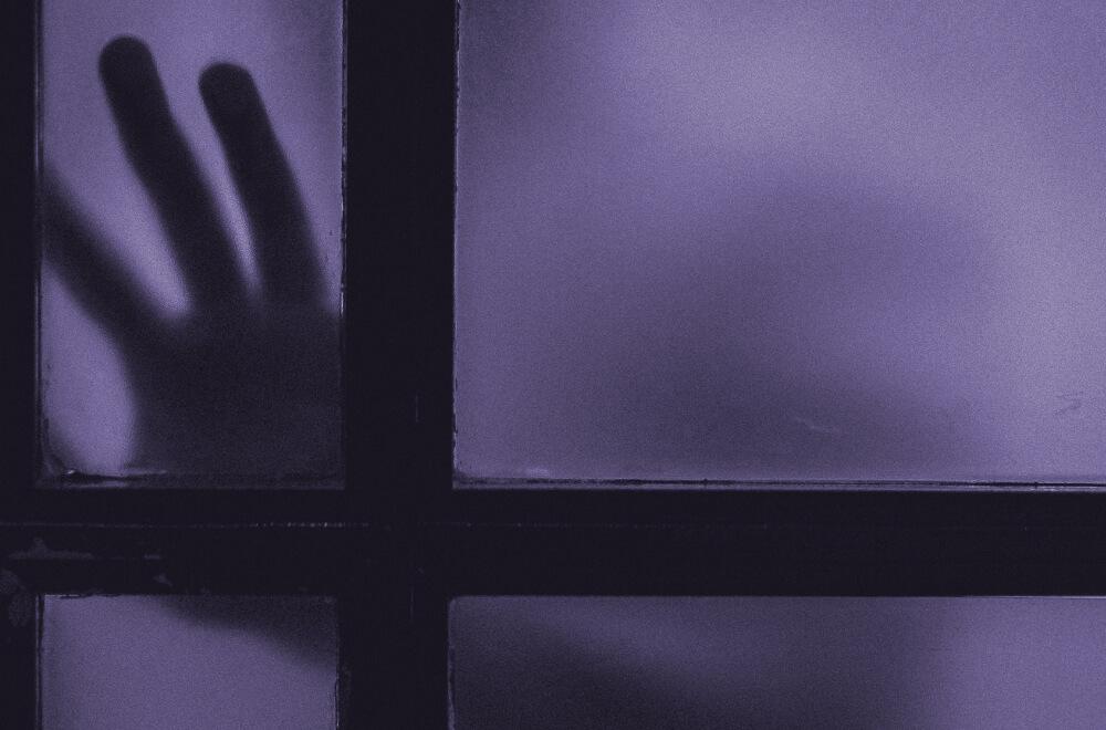大逆転裁判1&2 メインビジュアル考察 紫 プロフェッサー 蘇る亡霊 Photo by Clem Onojeghuo on Unsplash