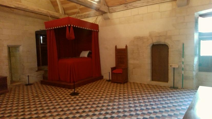 2018シノン王族のベッド