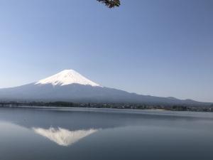 日中の逆さ富士