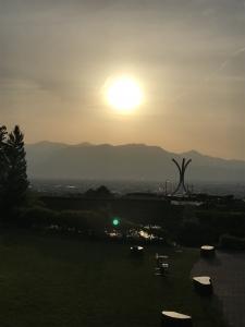 日本アルプスに沈む夕陽