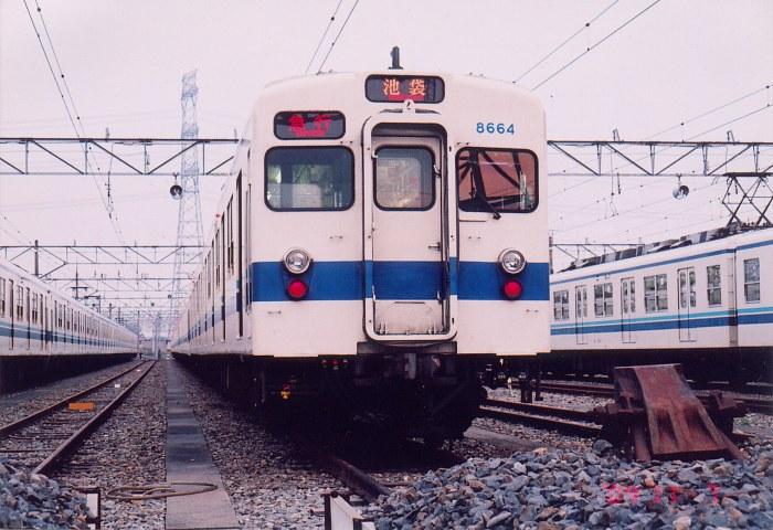 東上線の主力・8000系車両