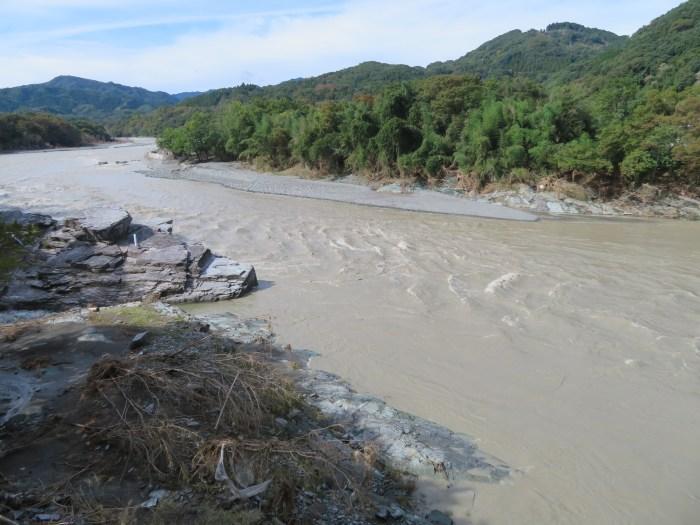 増水した荒川