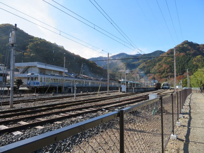 終点・三峰口駅に到着