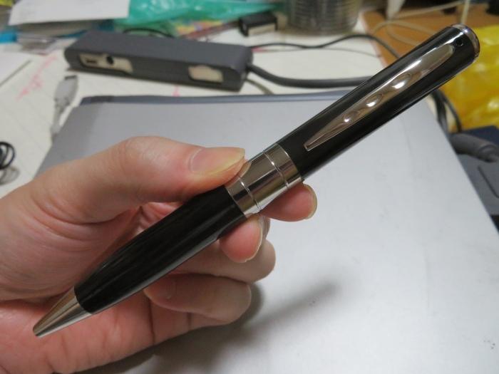 見た目はフツーのペン