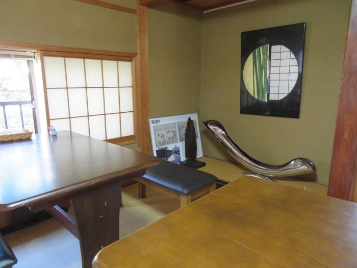 和風なテーブル席