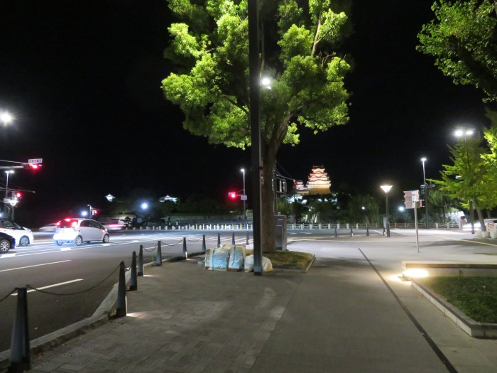 夜でも存在感を放つ姫路城