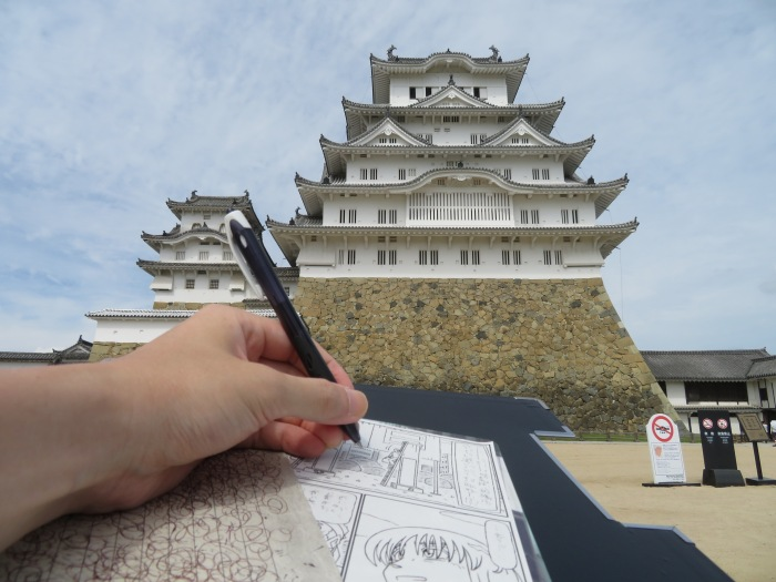 姫路城で描くヒト