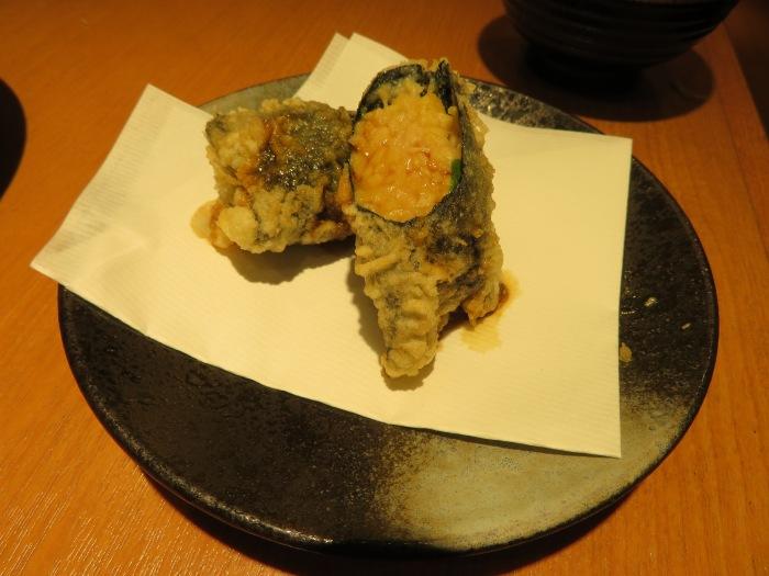 海苔で巻かれた納豆天ぷら