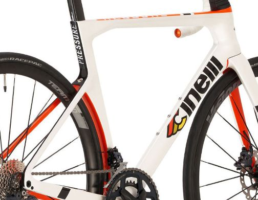 Cinelli-Pressure-Disc-Ultegra-Bike-2021_03few.jpg