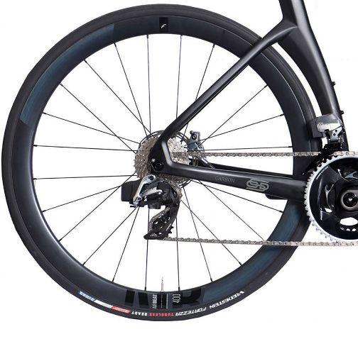 ORRO_Venturi-STC-Force-eTap-Airbeat-Road-Bike-2021_01fwe.jpg