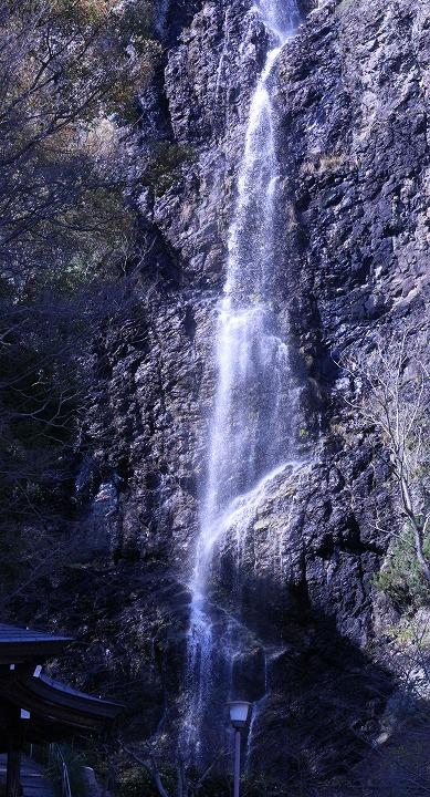 不動の滝 豊中 2 3 23