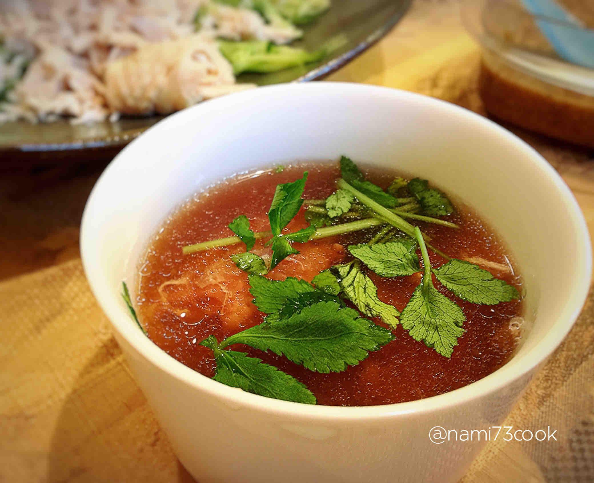 イカ団子スープ