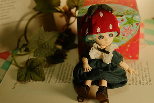 PARABOX・プチフェアリーをメイクした、ふうちゃん。イチゴのお洋服を着て、イチゴの妖精さんになりました。