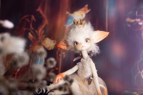 DOLLZONE・Miss Kittyのジーナ。ホワイト・プリンセスに変身して、昔の女優さんみたいです。