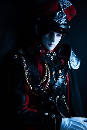 「帝都物語」の加藤保憲としてお迎えした、Ringdoll、Dracula-Style B。4回目の誕生日を迎えました。