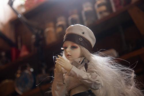 機械の翼を持つ少女、DOLLZONE・GillのAnne(アンヌ)。初めてのスタジオでの撮影。