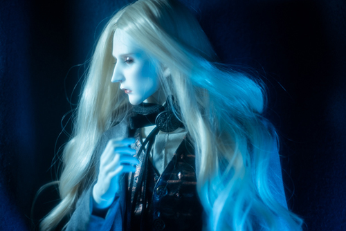 ツバキアキラが撮った、Ring doll、K-Style B。Warrenの服に身を包んだ、K。