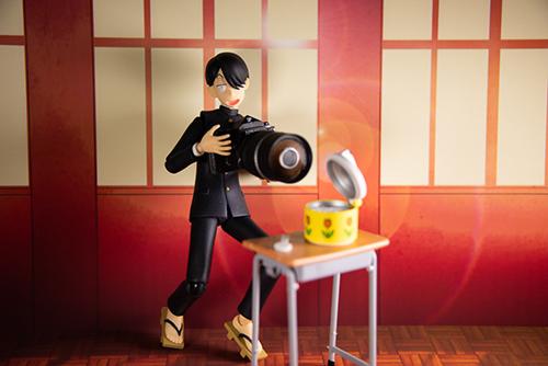 ツバキアキラが撮った、figma、R・田中一郎。なぜか、炊きたてご飯を撮影している、あ~るくん。