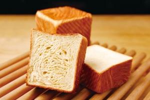 クロワッサン食パン スタンダード
